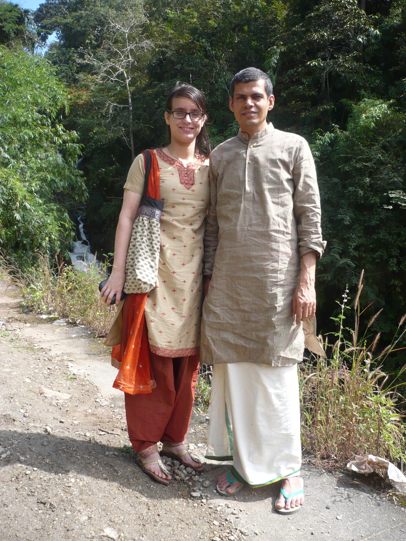 Йога Ритрийт с Харилал и Мира Каранат, Керала, Индия